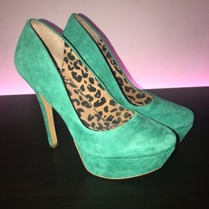 Suede Green Pump!